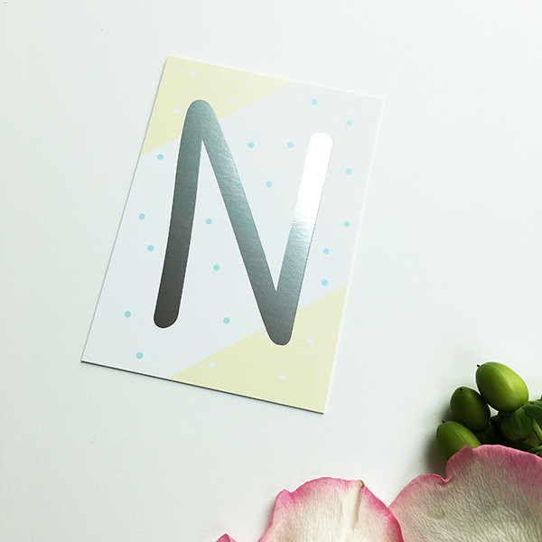 "Mini-Kärtchen ""N"" - Silber & Pastell"